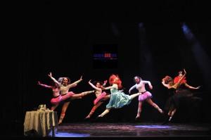 Coreografa di Tamara Bonuglia, esecuzione della Scuola d'Arte di Roma sul palco del GuidoniAMOarte è andato in scena un piccolo assaggio del Musical Alice in Wonderland